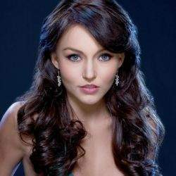 Angelique-boyer-250x250.jpg