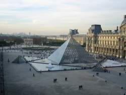 Paris-louvre.jpg