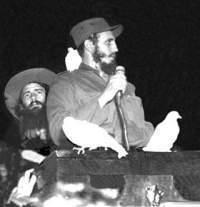 Camilo junto a Fidel Castro en el Campamento de Columbia el 8 de enero de 1959.