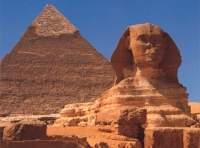 La esfinge y la Gran Pirámide de Guiza.