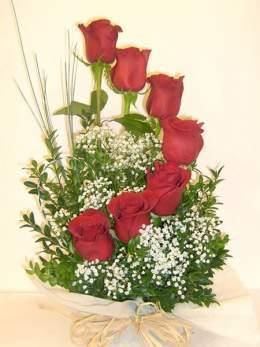 Arreglos florales ecured for Como hacer adornos con plantas naturales