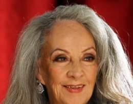 Isela Vega Durazo (* 5 de noviembre de 1939) es una primera actriz, guionista, productora y directora de cine mexicana. - 260px-Isela-vega-vbvfr
