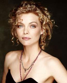 MichellePfeiffer P1.jpg