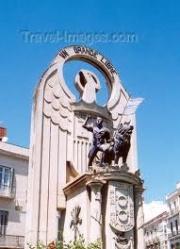 Monumento franquista en el centro de la cuidad