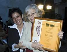 Premio &quot;Pablo&quot; (2009) <em>&quot;Por permitirnos acompañar la belleza y la sabiduría de tu música y de tus letras&quot;</em>.