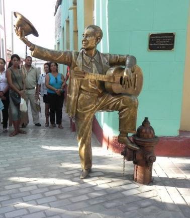 Estatua de Miguel Matamoros en Santiago de Cuba