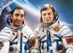 Recordando el viaje de Arnaldo Tamayo al cosmos