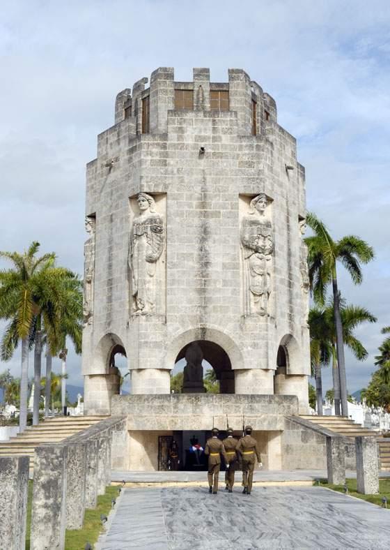 Mausoleo de José Martí ubicado en el Cementerio de Santa Ifigenia en Santiago de Cuba