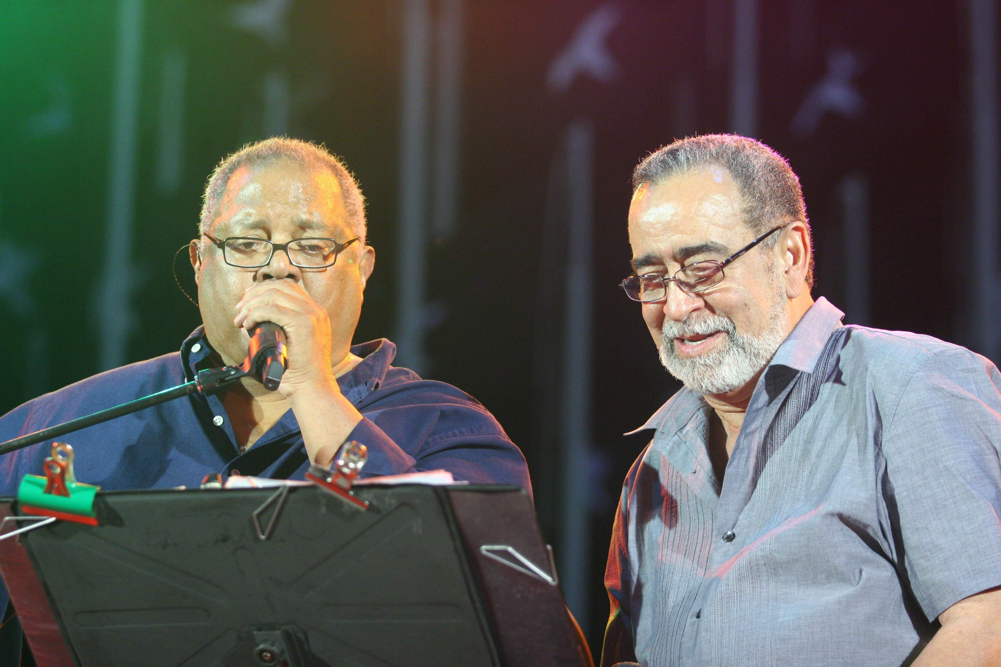 Pablito junto al cantante boricua Andy Montañes