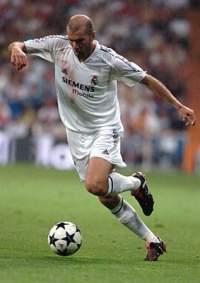 Zinedine Zidane en un partido del Real Madrid. 75277dc244fba