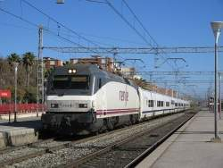 With talgo train at Castelldefels.jpg