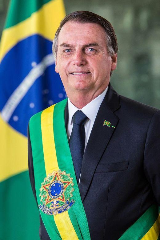 ¿Cuánto mide Jair Bolsonaro? - Altura - Real height 520px-Jair_Bolsonaro_%28Foto_oficial%29